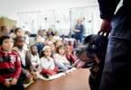 'Eu cuido': o projeto que ensina crianças a cuidar de animais de companhia