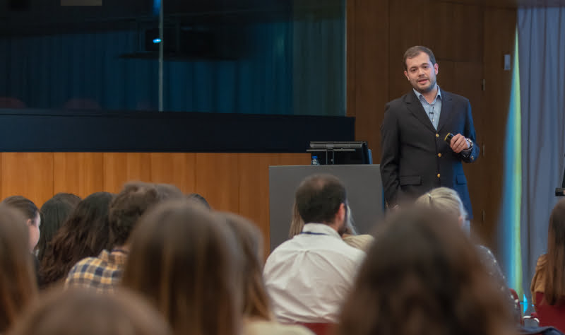 Rodolfo Oliveira Leal entre os oradores do ACVIM forum, nos EUA