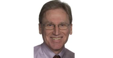 Stephen DiBartola recebe WSAVA Scientific Achievement Award