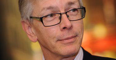 WSAVA homenageia professor emérito Michael J. Day