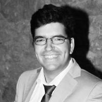 médico veterinário e fundador da empresa de formação e consultoria em gestão veterinária StratVet